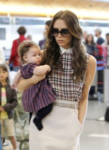 Victoria Beckham and baby Harper were spotted at LAX, photo from http://www.celebritybabycraze.com.